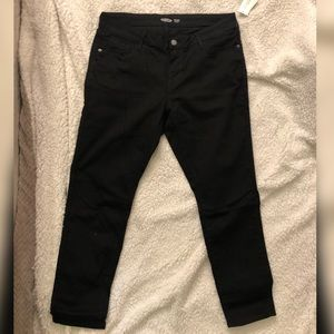 Old navy black rockstar low rise jeans NWT